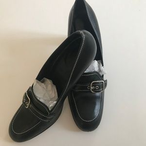 Coach Katrina Black Buckle Pump Italian Shoes 8 B